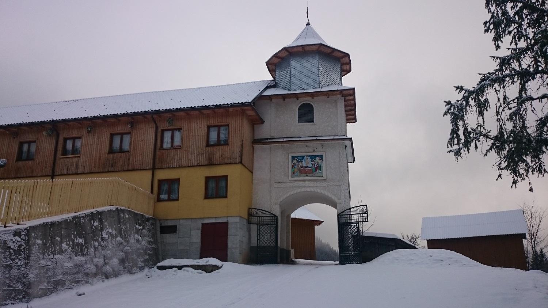 Mănăstirea Rarău, una dintre cele mai frumoase din Țara Dornelor