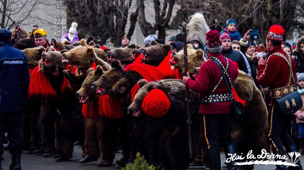 Tradiții în Bucovina: Dansul Ursului, Vatra Dornei, 2015