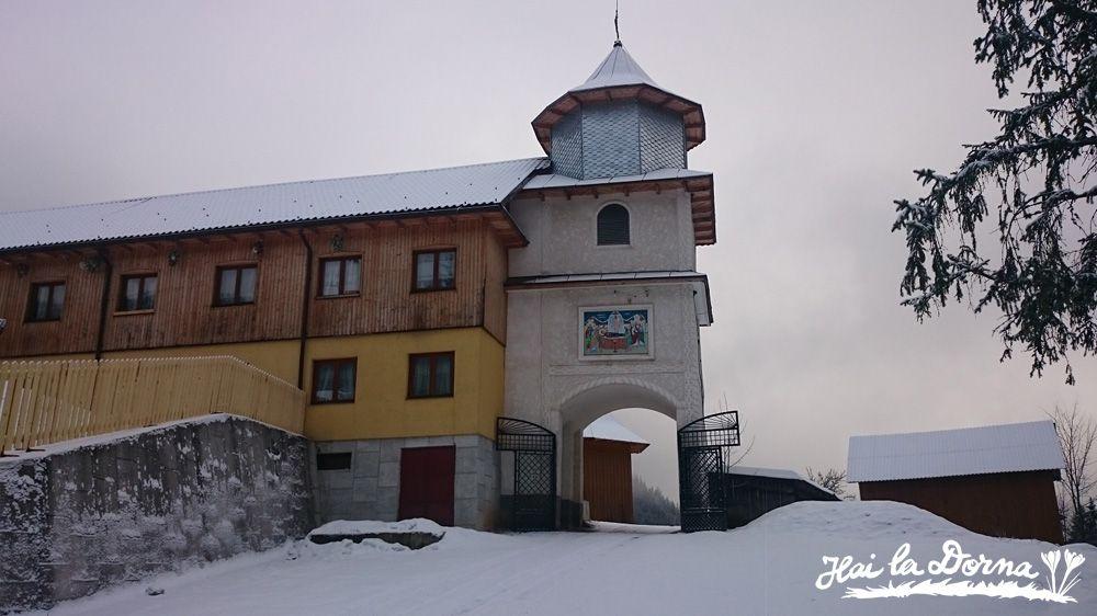 Religie în Bucovina: Mănăstirea Rarău