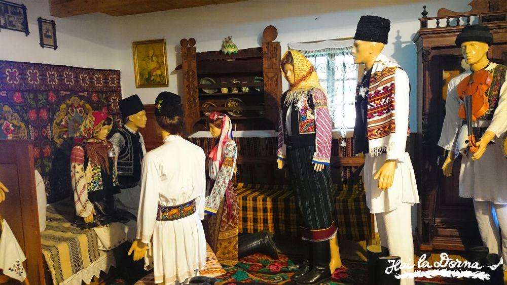 Ritualul nunții bucovinene pus în scenă în Casa Câmpulung Moldovenesc