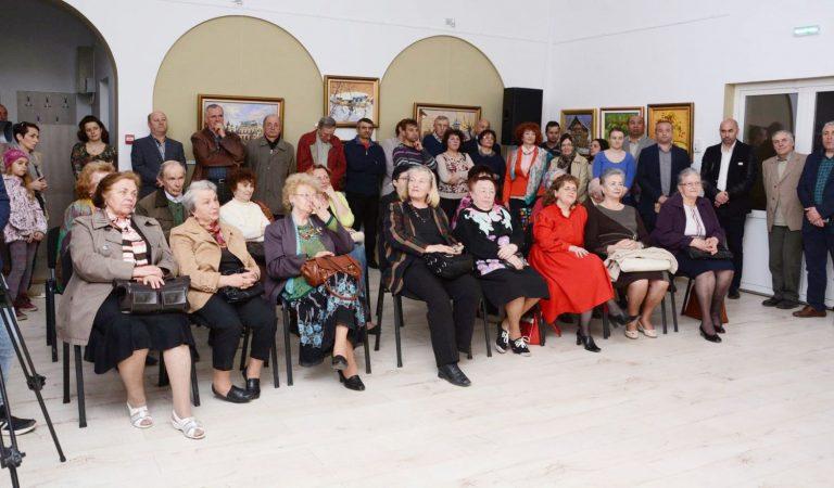 Pictorul David Croitor a expus 41 de lucrări la Vatra Dornei