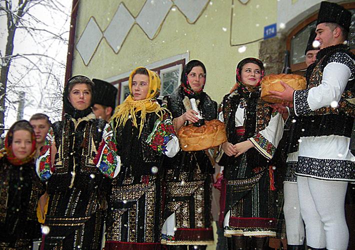Portul popular din Bucovina femei