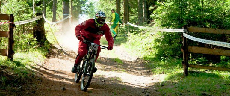 Biking în Țara Dornelor