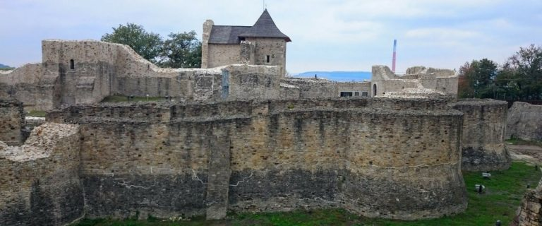 Fortificații în Țara Dornelor și Bucovina